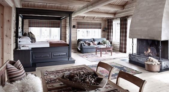 [Image: Storfjord-Hotel.jpg]